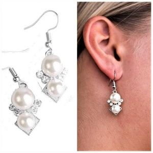 Mrs. Gatsby - White Pearl & Rhinestone Earrings